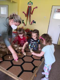 Mateřská školka - téma týdne: HMYZ